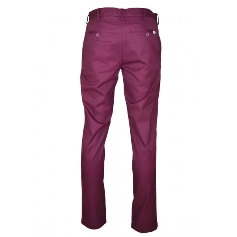 pantalon chino lacoste rouge bordeaux pour homme toujours au meil. Black Bedroom Furniture Sets. Home Design Ideas