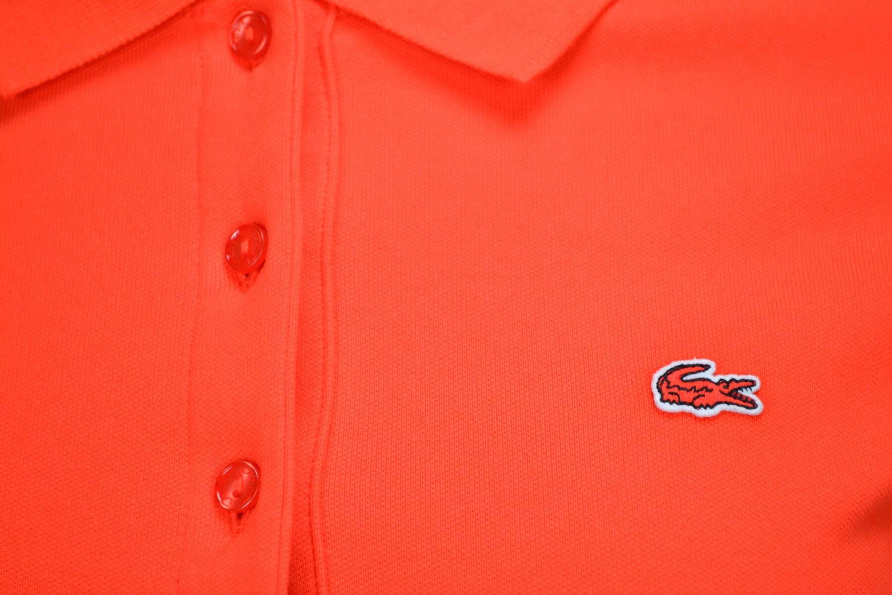 02a517feebd7 Polo Lacoste basique 5 boutons rouge pour femme - Toujours au meill...