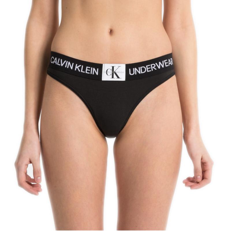 String Calvin Klien noir pour femme - Toujours au meilleur prix ! 21451bfa27d